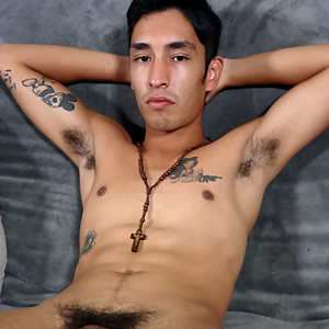 Damien shows off his 6 pack abs and uncut cock and get sucked by the webmaster!